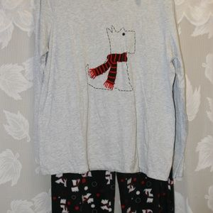 NWT Cute Pajamas/Loungewear with dogs